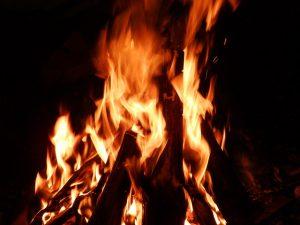 fireplace-615228_640